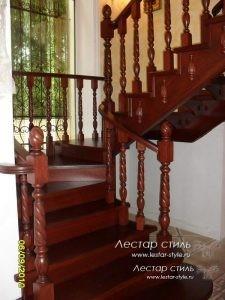 Установка перил деревянной лестницы - ДокаСтрой